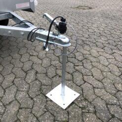 Trailer P-stander 50cm med Ø50 kugle og fodplade