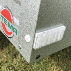 STEMA MINI 350 hvide markeringsreflekser forrest - bemærk drænhul i forplade
