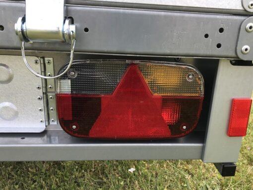 Stema REX 25 leveres med 13-polet el-system med multipointbaglygter - højre side