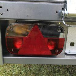 Stema REX 25 leveres med 13-polet el-system med multipointbaglygter - venstre side