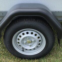 Stema REX leveres med 145/80R13 hjul samt plastskærme med stænklap