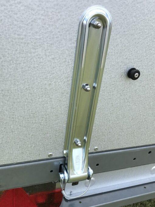 Stema REX leveres med kraftige hængsler ved rampe