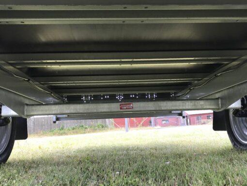 Stema REX er bygget med kraftige mange tværvanger under ladet - bemærk KNOTT aksel