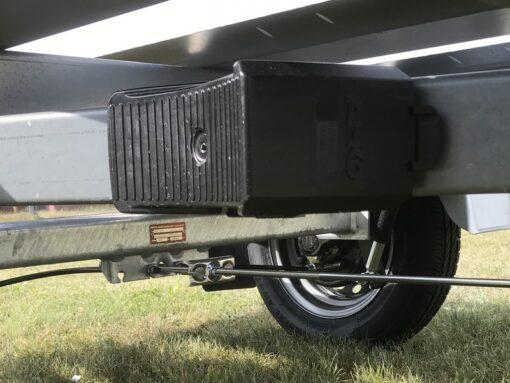 MT 850 BS3 har stopkiler parkeret under chassis